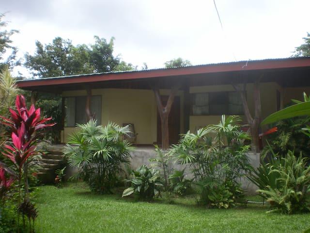 En contacto con la naturaleza - Miramar - Casa