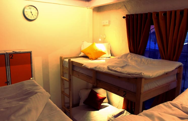 Cohostel, the Social Backpackers Hostel, Bandra W