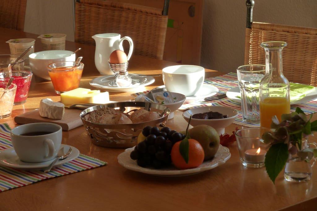 Reichhaltiges Frühstück, Wünsche werden berücksichtigt