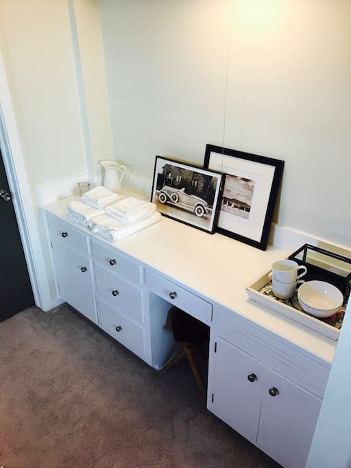 guest room desk and drawers