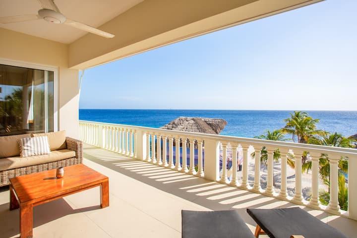 Beachfront Ocean Suite 5 Blue Bay Beach