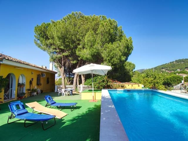 Country house with private pool and wifi in Alhaurín de la Torre (Málaga)