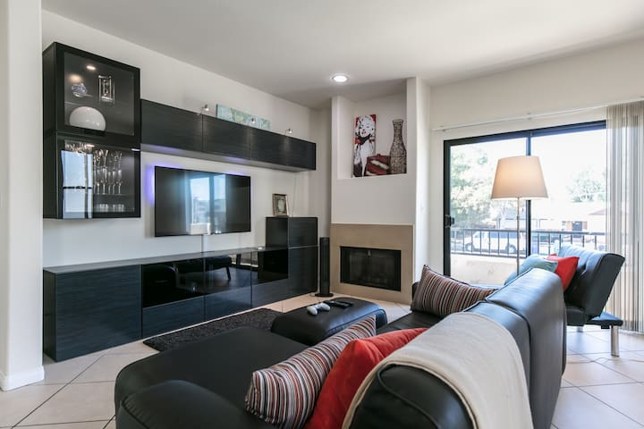 5-Star Private Room with incredible amenities - Los Angeles - Radhus