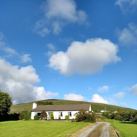 Bramble Cottage Dingle, peaceful tranquil location