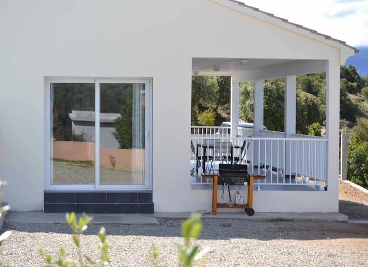 villa  8p/140m2 climatisée + piscine 20mn plages