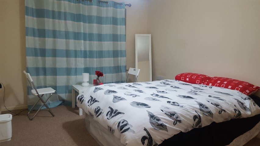 Brand New Flat - Manchester - Bed & Breakfast