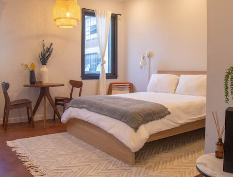 Rail Park Studio Philly Loft District in the heart of Center City, Love Park EASY CONTACTLESS CHECK-IN!