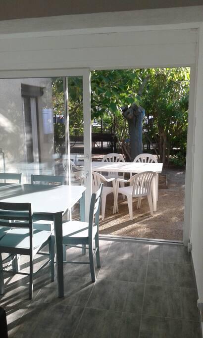 Salon / Salle à manger ouvert sur terrasse