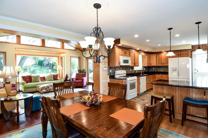 Gorgeous 4 Bedroom Family Home in Olney Maryland