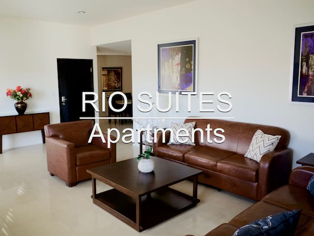 Luxury 3 BR. Condo Perfect Location!, 5min. US-402