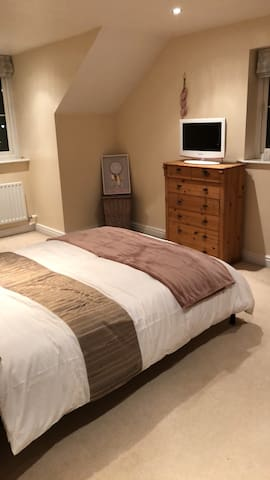 Room in Silverstone-10 min WALK to the Circuit