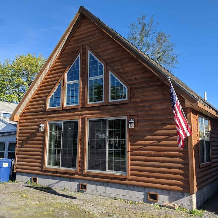 The Cabin at Sodus Point, 5 Bedrooms