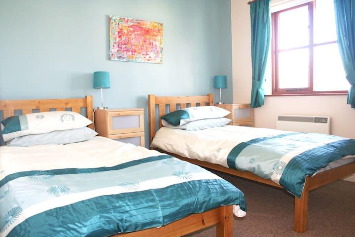 Ocean Bliss Family Holiday House, Croyde sleeps 4 - Croyde - Casa