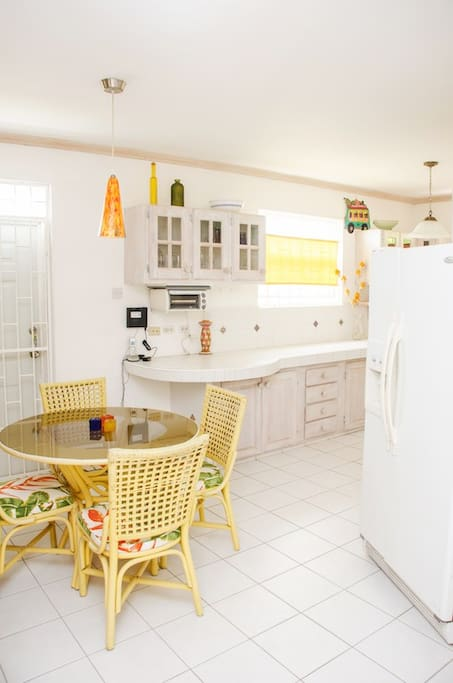 Beautiful 1 Bedroom Just Across From The Beach Apartments For Rent In Fitts Village Saint