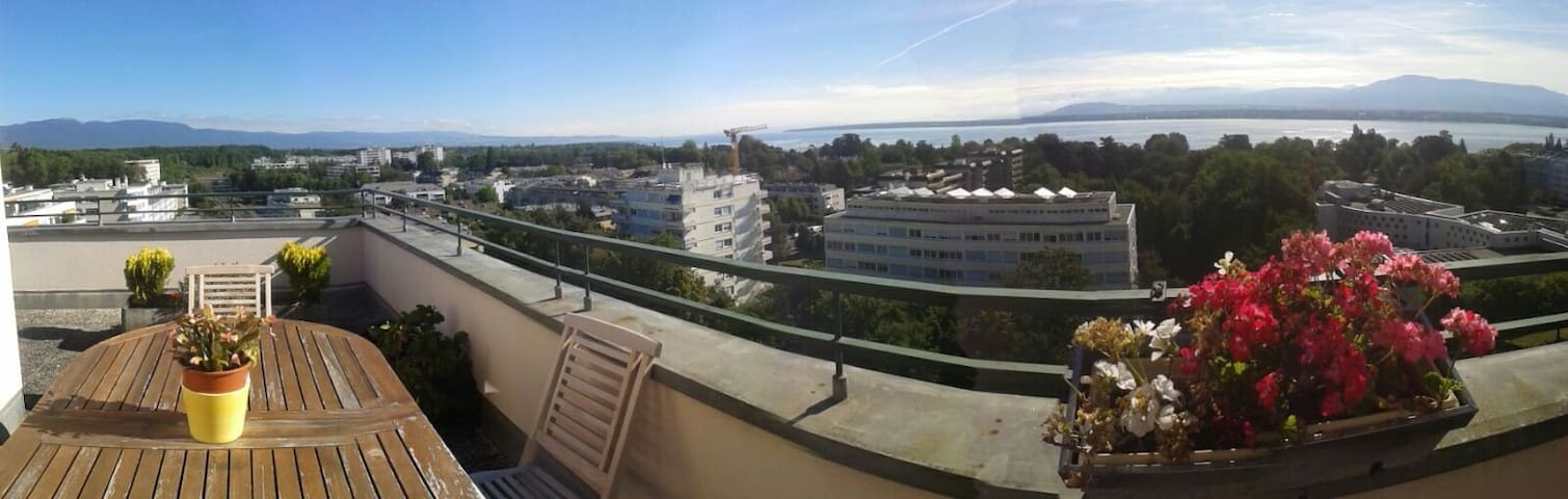 Amazing recent room on rooftop, 3 min from train - Versoix - Apartment