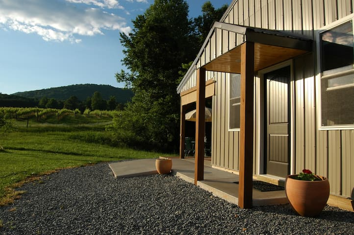 Private country cabin on a 150 acre farm/vineyard.