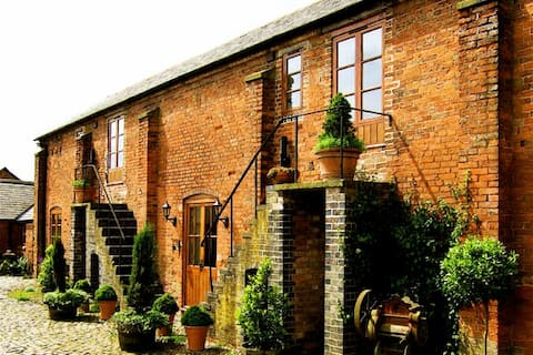 Peaceful farm stay, self catering, Wolvey,Hinckley