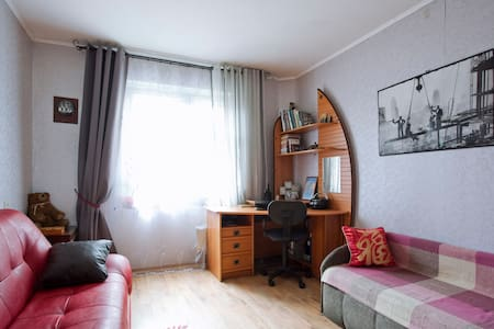 Уютная комната в 2-х к. кв-ре в комфортном р-не.