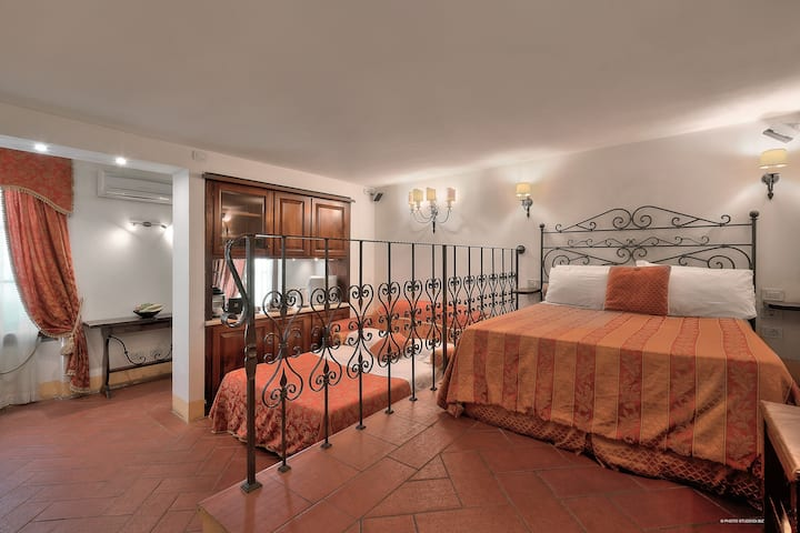 First of Florence Apartment I Medici