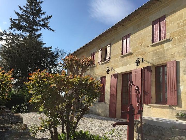 Maison de charme en pierre près Saint Emilion