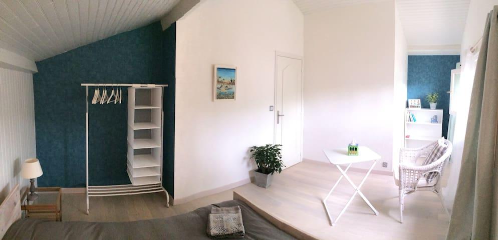 Chambre tout confort - La Thébaïde - Sorbiers - Casa