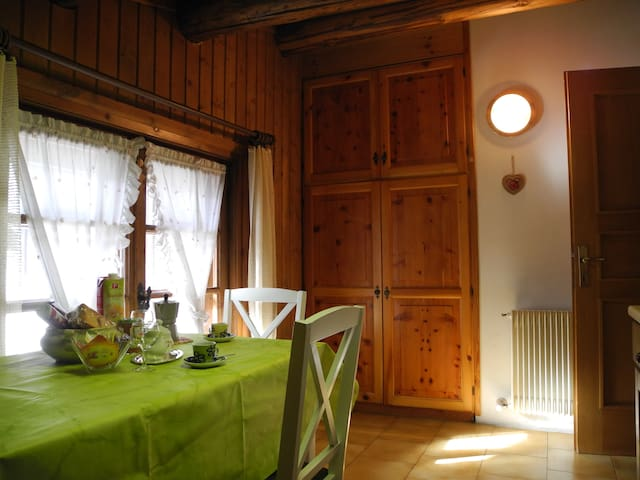 Simple little mansard - Livigno - Wohnung