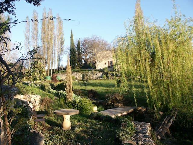 Moulin au Parc - Bonnieux - Bed & Breakfast
