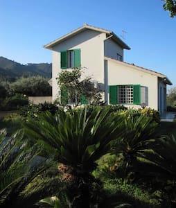 Quiet villa, north coast of Sicily - Oliveri