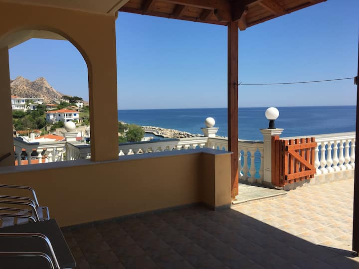 Panoramic View Apartment with big veranda
