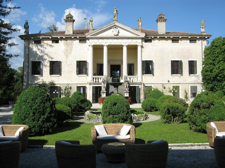 LA SERENELLA West Wing