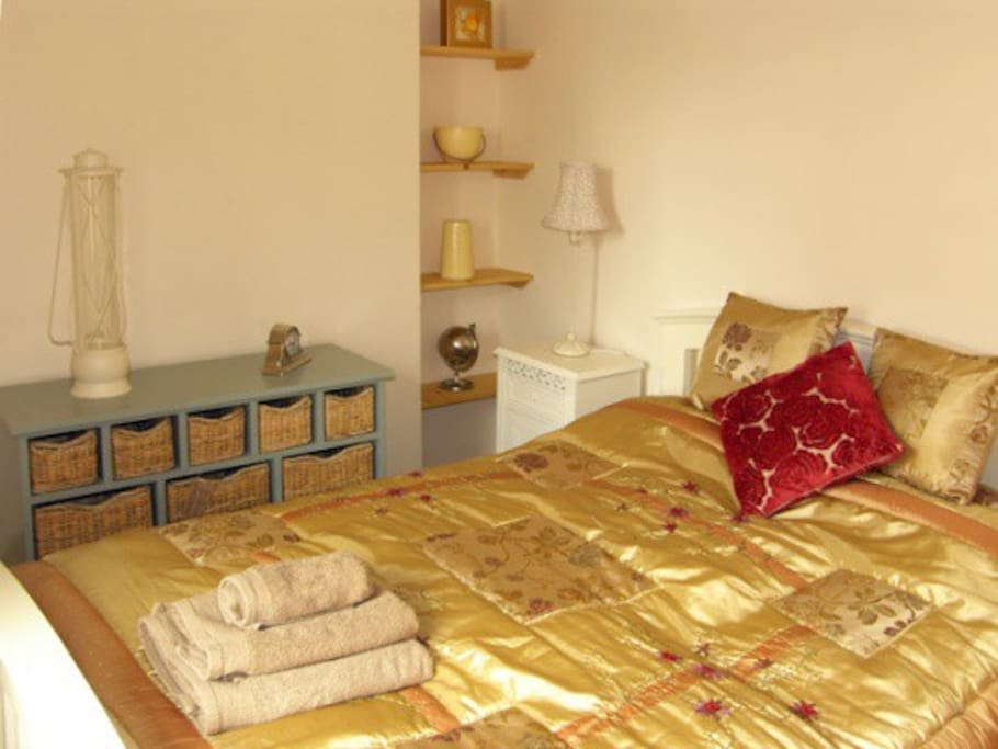 The romantic double bedroom
