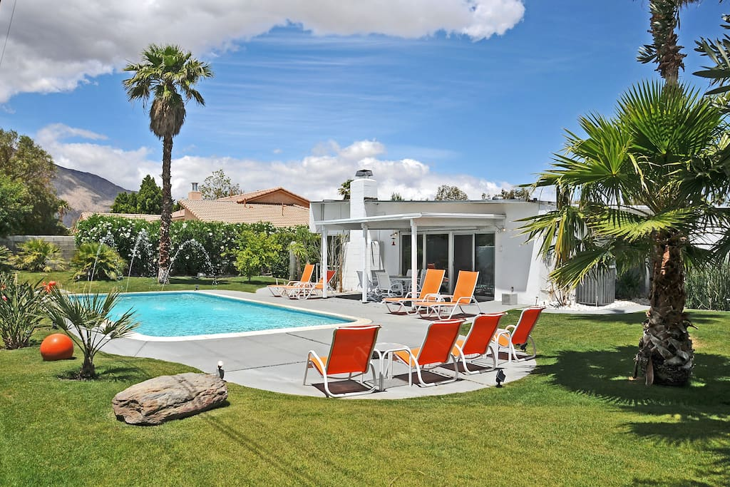 Palm springs mid century today houses for rent in palm for Palm springs homes rentals