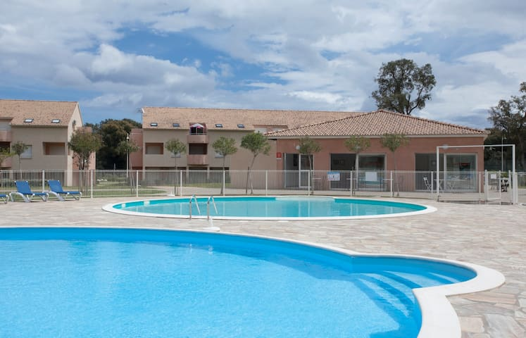 Apartment 2*, Pools, Sea 800 m - Santa-Maria-Poggio - Apartamento