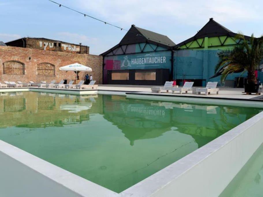 Haubentaucher urban pool and sun deck  with open sky yoga (just around the corner of the flat)