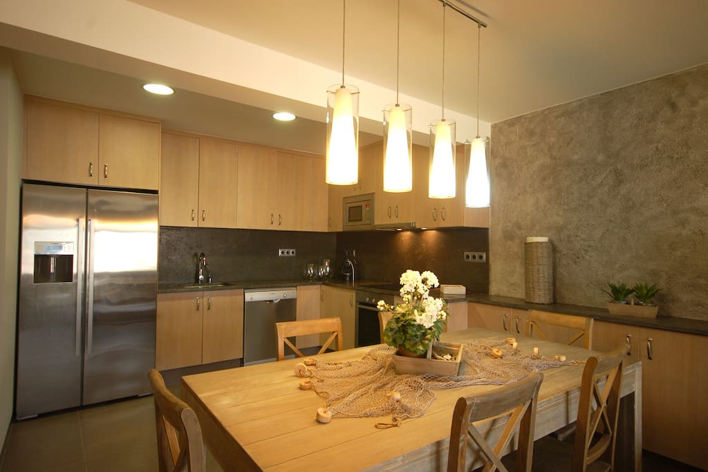 Nice kitchen to enjoy meals at home