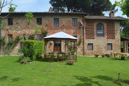 Terrarossa Lucca 1 - Capannori - Rumah