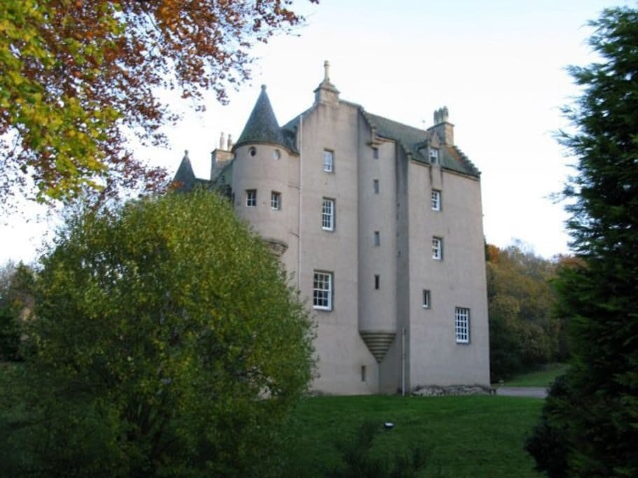 Lickleyhead Castle - Castles for Rent in Insch, Aberdeenshire, United Kingdom
