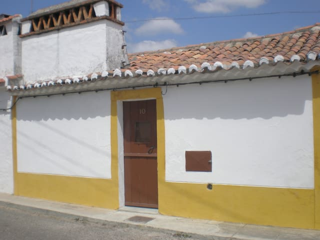 Casa Rústica / Old Fashion Home