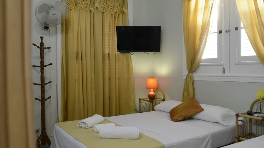 Hostal Casa Tarajano | Two Beds Room