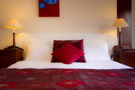 4* B&B - double suite with kitchen - Eastbourne