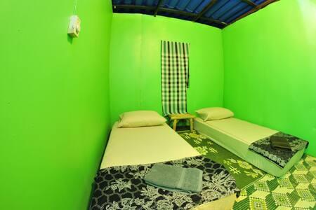 Double room, shared bathroom V1 - Casa