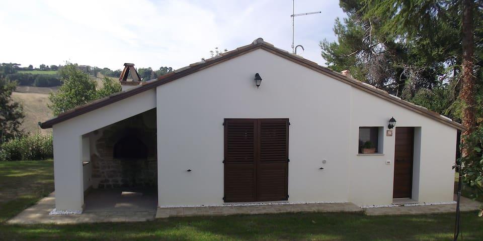 Vacanza tra mare e campagna - Pesaro - Casa