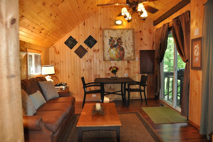 Adorable Cottage on Autumn Lake #2 - Orwell - Chalet