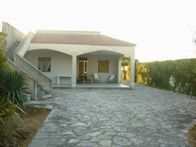 Villa tra mare e cielo... - Surbo - Вилла