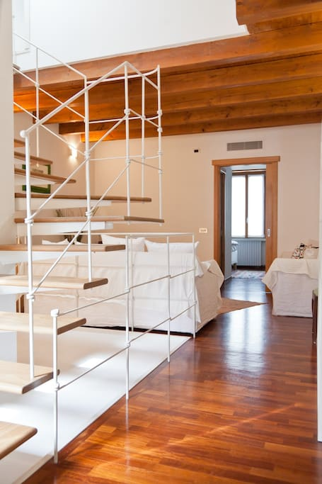 charming b b in downtown milan with parking wohnungen zur miete in mailand lombardia italien. Black Bedroom Furniture Sets. Home Design Ideas