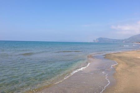 Villa a pochi metri dalla spiaggia - Rio Claro - 별장/타운하우스