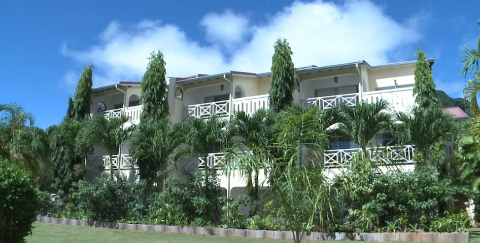 Coco Zimmer am Beau Vallon - Beau Vallon - Bed & Breakfast