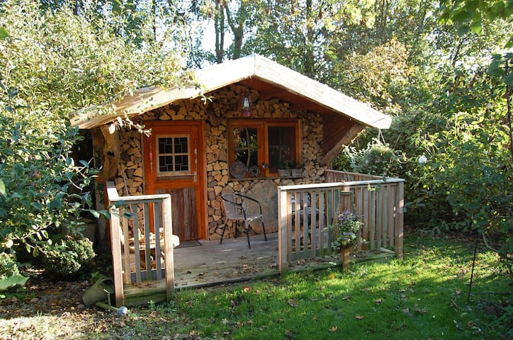 De Schrijvershut (the writershut)  Stilte plek! - Easterein - Hut