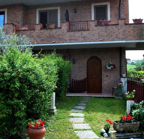 Roma villino alle porte di Roma - Santa Lucia, Ponte delle Tavole - House