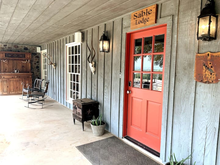 Sable Lodge on The 5 J Ranch